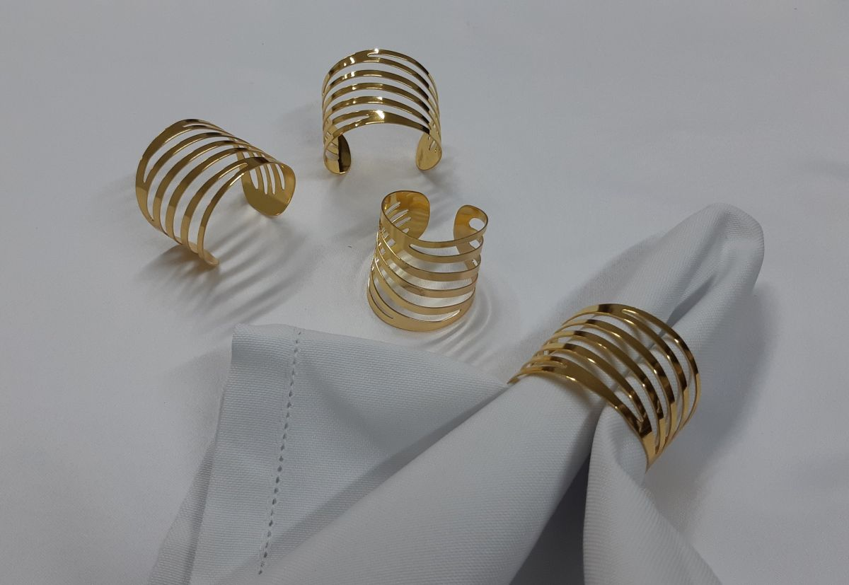 Porta guardanapo dourado vazado
