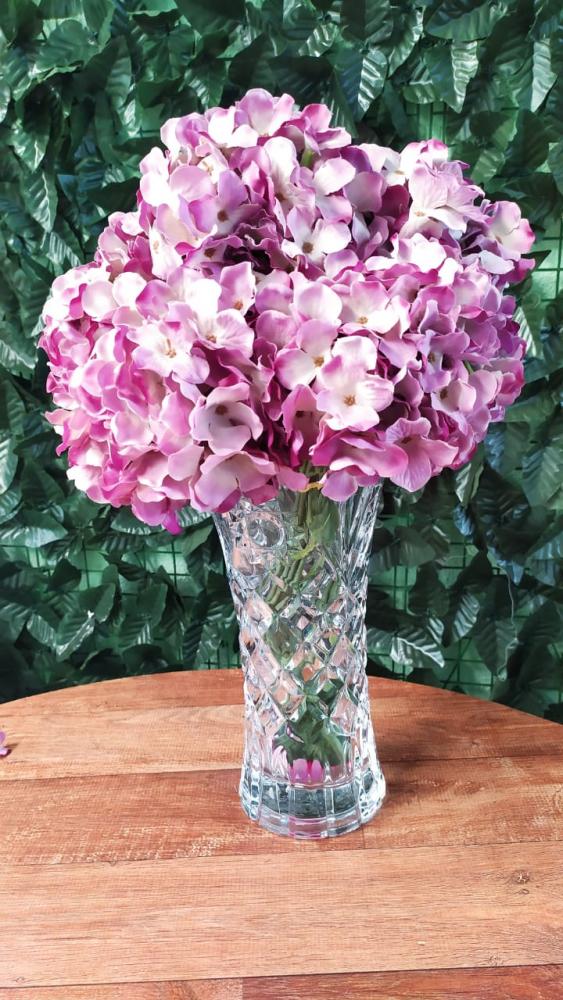 Buque hortência violeta