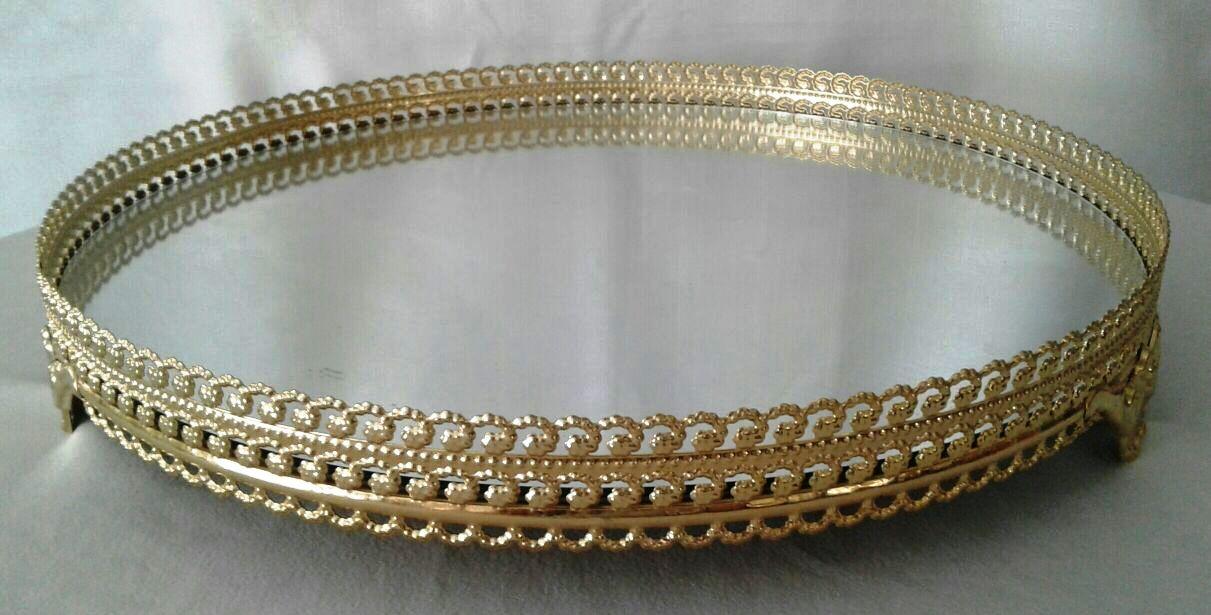 Bandeja de Metal Dourada com Fundo Espelhado M