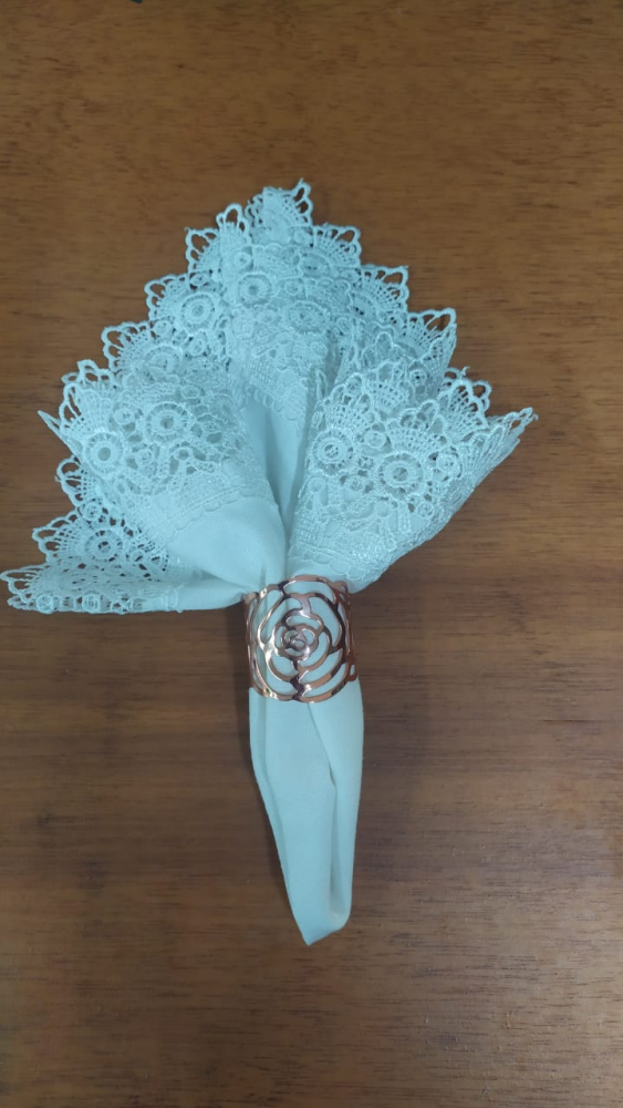 Porta guardanapo flor cobre vazado