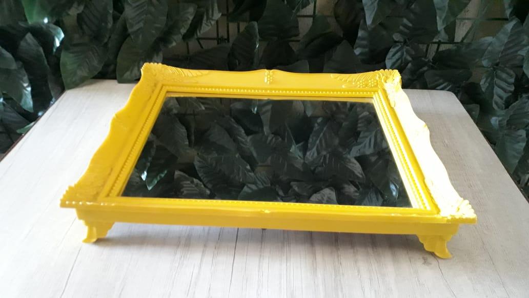 Suporte Bandeja Amarela Espelhada Colonial 29x24