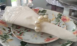 Guardanapo Branco com detalhe em Renda