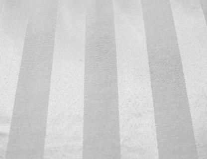 Toalha Redonda de 10 Lugares Branca Listrada