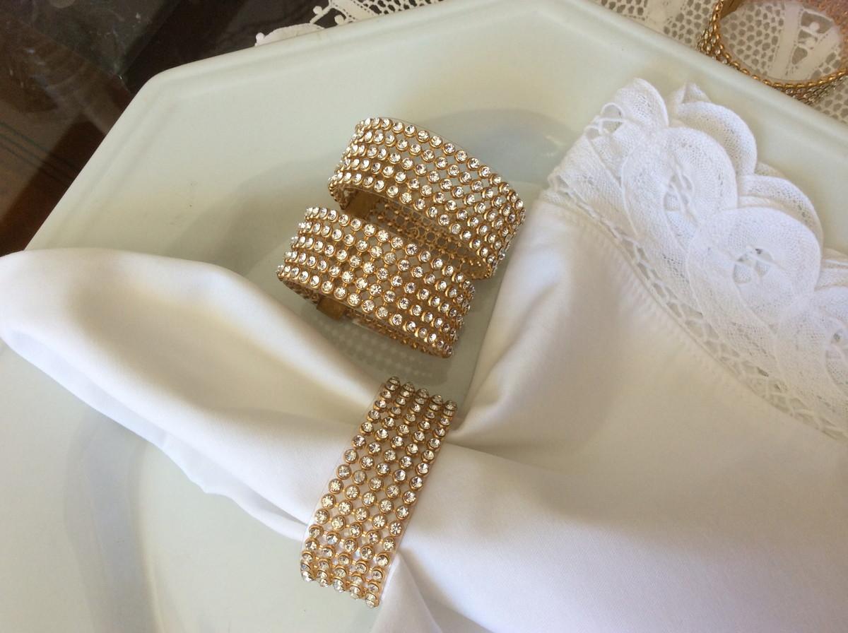Porta guardanapo dourado de strass